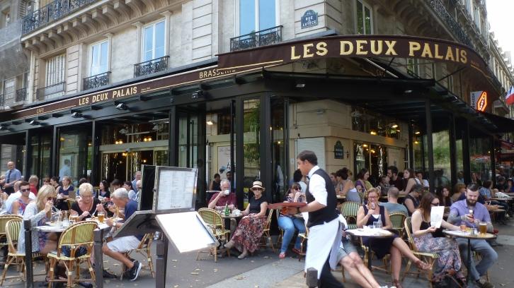 Parisian Cafes Aplenty
