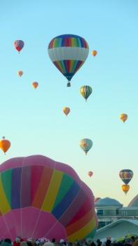 Albuquerque Balloon Fiesta Sky- visit www.beautifulfillment.com for more inspirations!