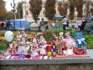 A Day on the Town Ukraine - Anika Mikkelson - www.MissMaps.com