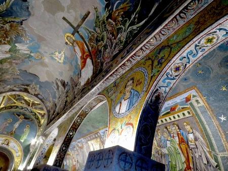 https://beautifulfillment.files.wordpress.com/2015/11/inside-chapel-of-saint-petka-belgrade-serbia.jpg?w=450