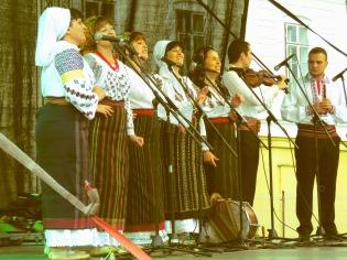 Folk Singers performing on opening night of Sibiu's International Film Festival - by Anika Mikkelson - Miss Maps - www.MissMaps.com