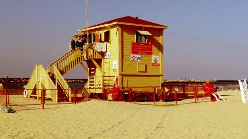 Beach Hut - Tel Aviv Israel - by Anika Mikkelson - Miss Maps - www.MissMaps.com