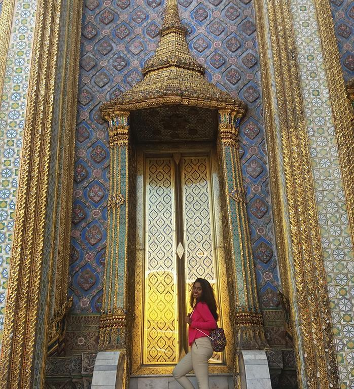 Naseema Khan at Bangkok's Golden Temple - www.MissMaps.com