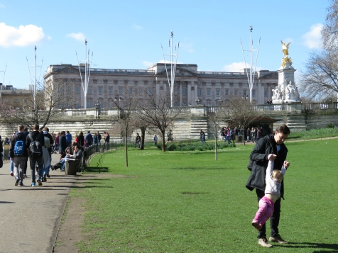 Going for a swing outside Buckingham Palace - London, England, United Kingdom - by Anika Mikkelson - Miss Maps