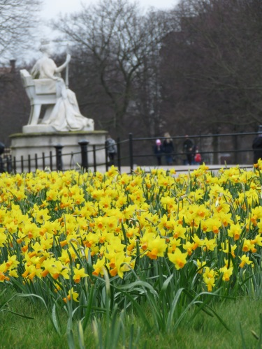The Queen and her daffodils at Kensington Palace - London, England, United Kingdom - by Anika Mikkelson - Miss Maps