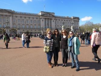 Us 4 outside Buckingham Palace - London, England, United Kingdom - by Anika Mikkelson - Miss Maps