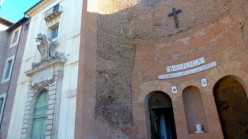 Basilica di Santa Maria Maggiore in Rome Italy - by Anika Mikkelson - Miss Maps - www.MissMaps.com
