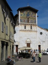 Basilica of San Frediano - Lucca Italy - by Anika Mikkelson - Miss Maps - www.MissMaps.com