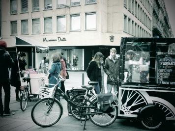 Cookie's Bike - Toulouse France - by Anika Mikkelson - Miss Maps - www.MissMaps.com