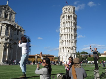 More posers - Leaning Tower of Pisa, Italy - by Anika Mikkelson - Miss Maps - www.MissMaps.com