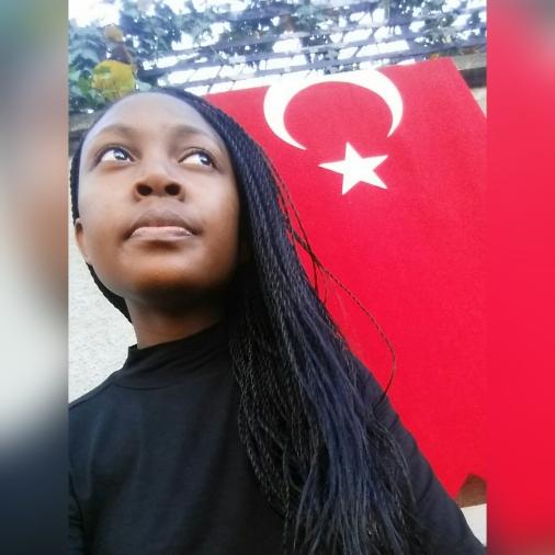 Selfie in Istanbul, Turkey - Lareto - Miss Maps Featured Female Traveler