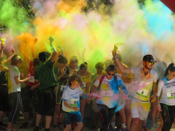 The Color Run in Grenoble France - by Anika Mikkelson - Miss Maps - www.MissMaps.com