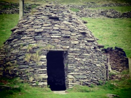 Beehive Huts of Ireland - by Anika Mikkelson - Miss Maps - www.MissMaps.com
