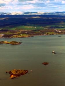 Flying into Edinburgh Scotland - by Anika Mikkelson - Miss Maps - www.MissMaps.com