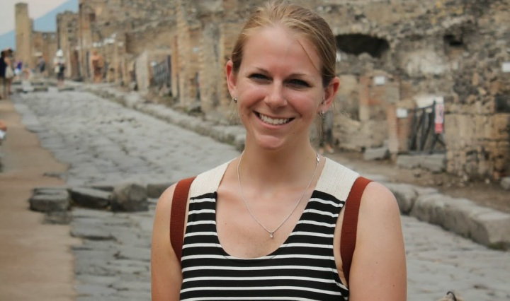 Erin in Pompeii - Miss Maps Featured Female Traveler