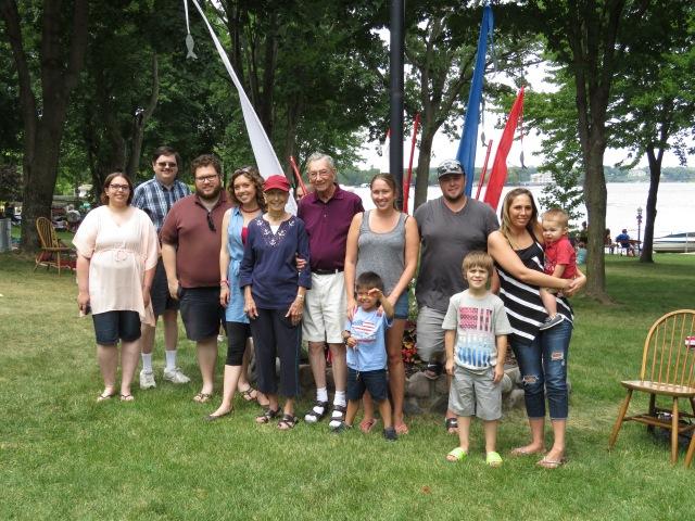 Fourth of July Family! - Minnetonka MN - Anika Mikkelson - Miss Maps - www.MissMaps.com
