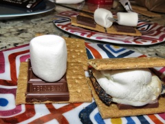 This is how you s'more - by Anika Mikkelson - Miss Maps - www.MissMaps.com