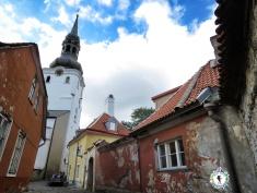Beauty in the Back Alleys - Tallinn Estonia - by Anika Mikkelson - Miss Maps - www.MissMaps.com
