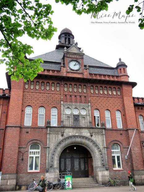 Bold Brick Building - Helsinki Finland - by Anika Mikkelson - Miss Maps - www.MissMaps.com