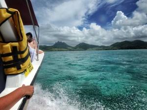 'Everybody Back' - boat to Ile Aux Cerfs - Mauritius - by Anika Mikkelson - Miss Maps - www.MissMaps.com