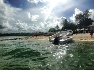 Sparkling Waters - Mauritius - by Anika Mikkelson - Miss Maps - www.MissMaps.com