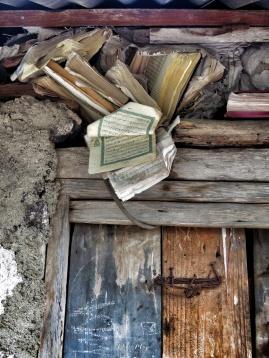 Book Insulation - Comoros - by Anika Mikkelson - Miss Maps - www.MissMaps.com